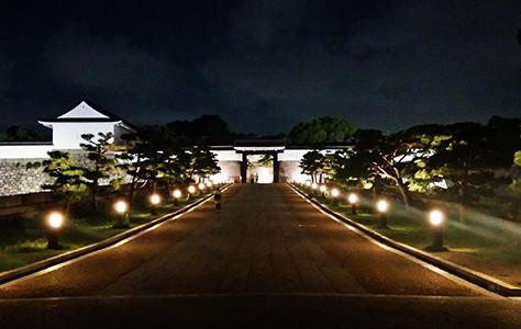 夜の「ミライザ大阪城」